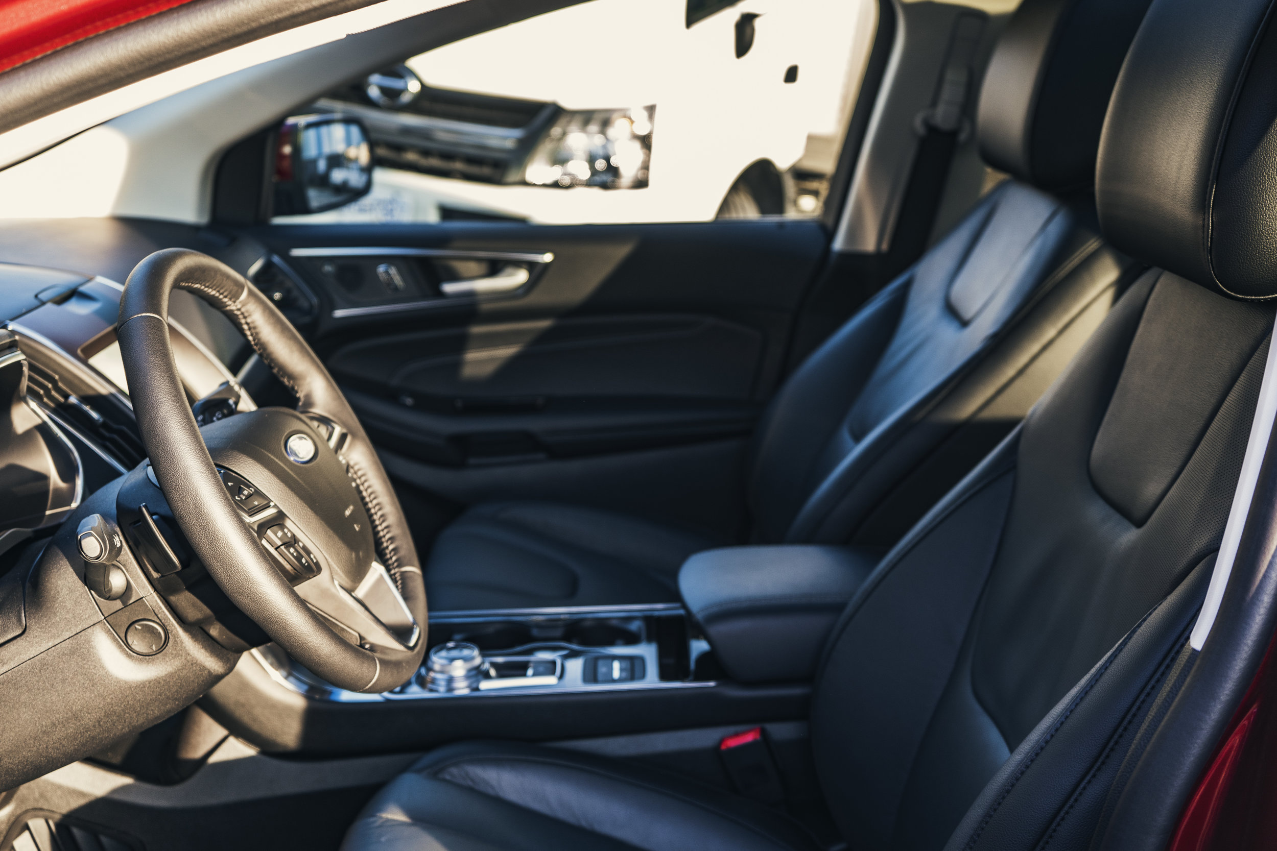 ford_edge_titanium_interior.1011.jpg