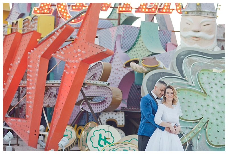 Neon_Museum_Las_Vegas_Destination_Wedding_photos-22.jpg
