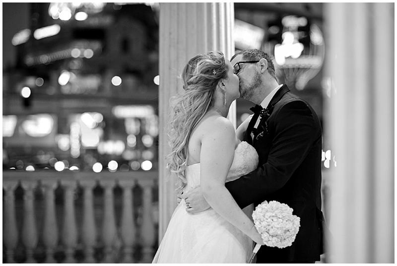 Caesars_Palace_Joes_Seafood_Las_Vegas_Wedding_Photographer-31.jpg