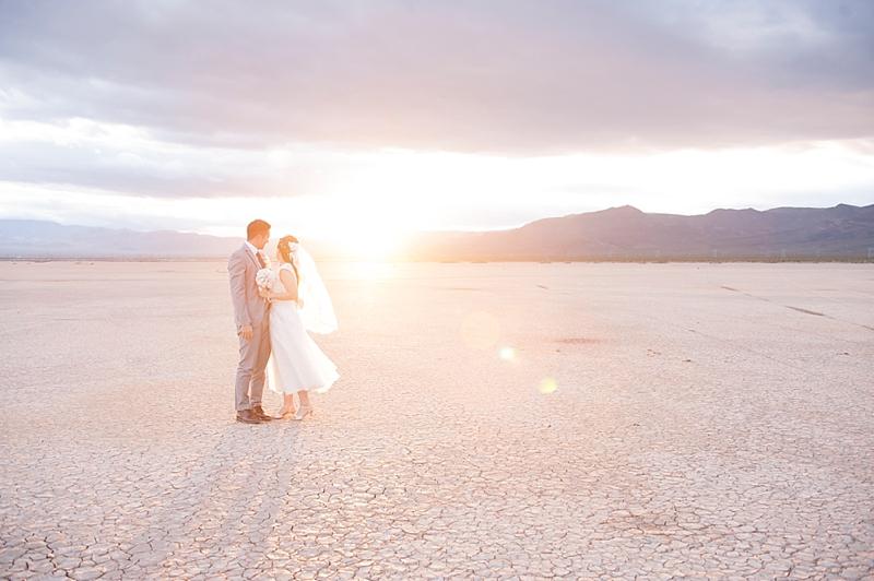 Dry_lake_bed_Las_vegas_Desert_elopement-8.jpg