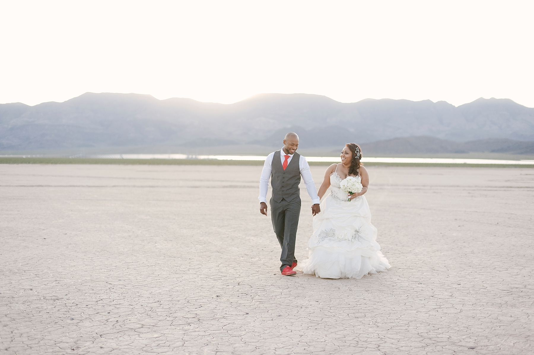 dry_lake_bed_las_Vegas_wedding_portraits-6
