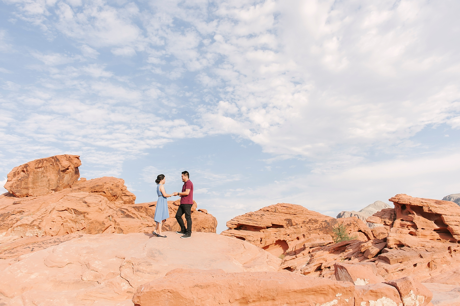 Valley_of_Fire_Las_Vegas_Engagement_photos-1.jpg