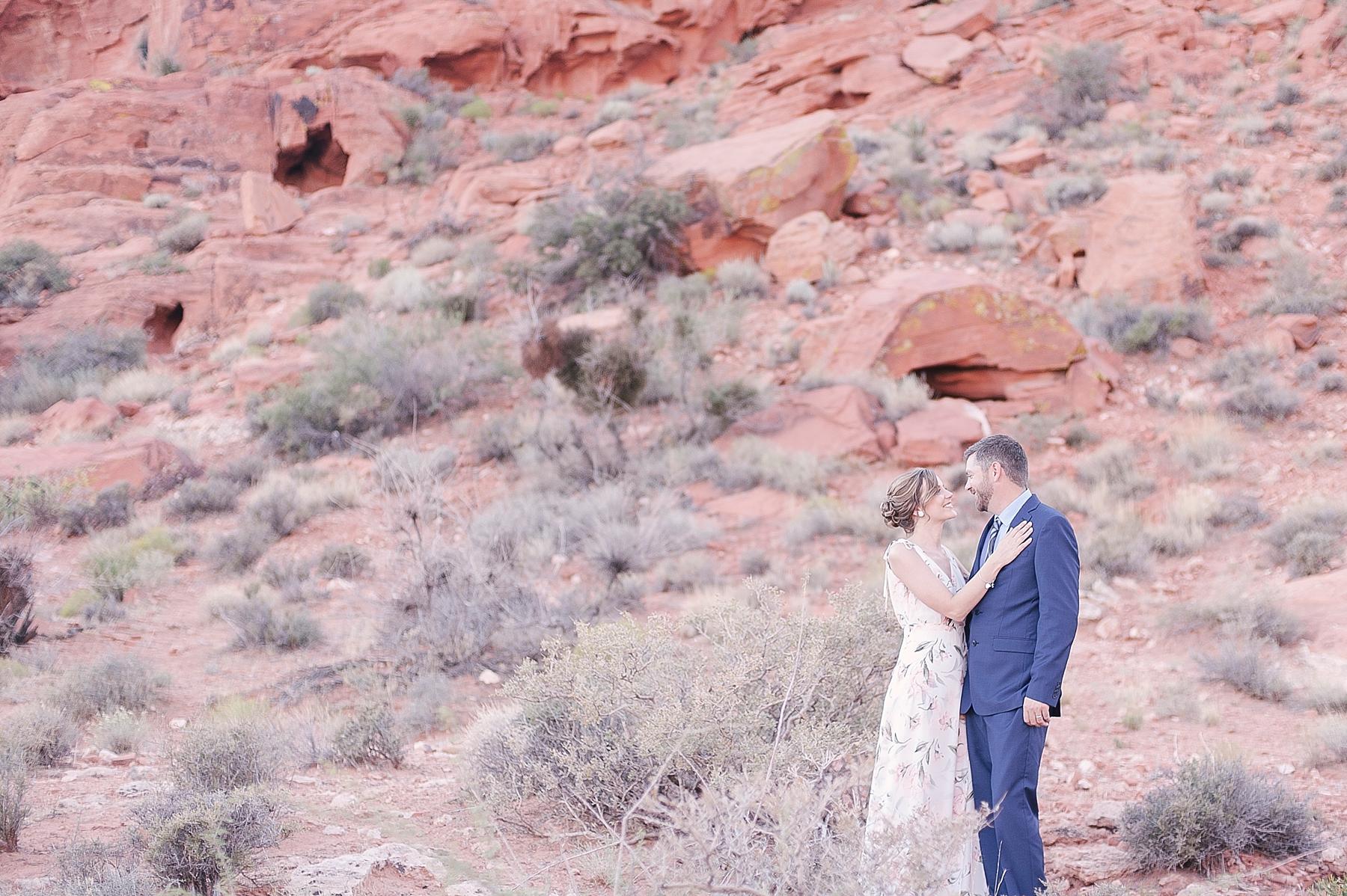las_vegas_desert_elopement_wedding_photography-1-3.jpg
