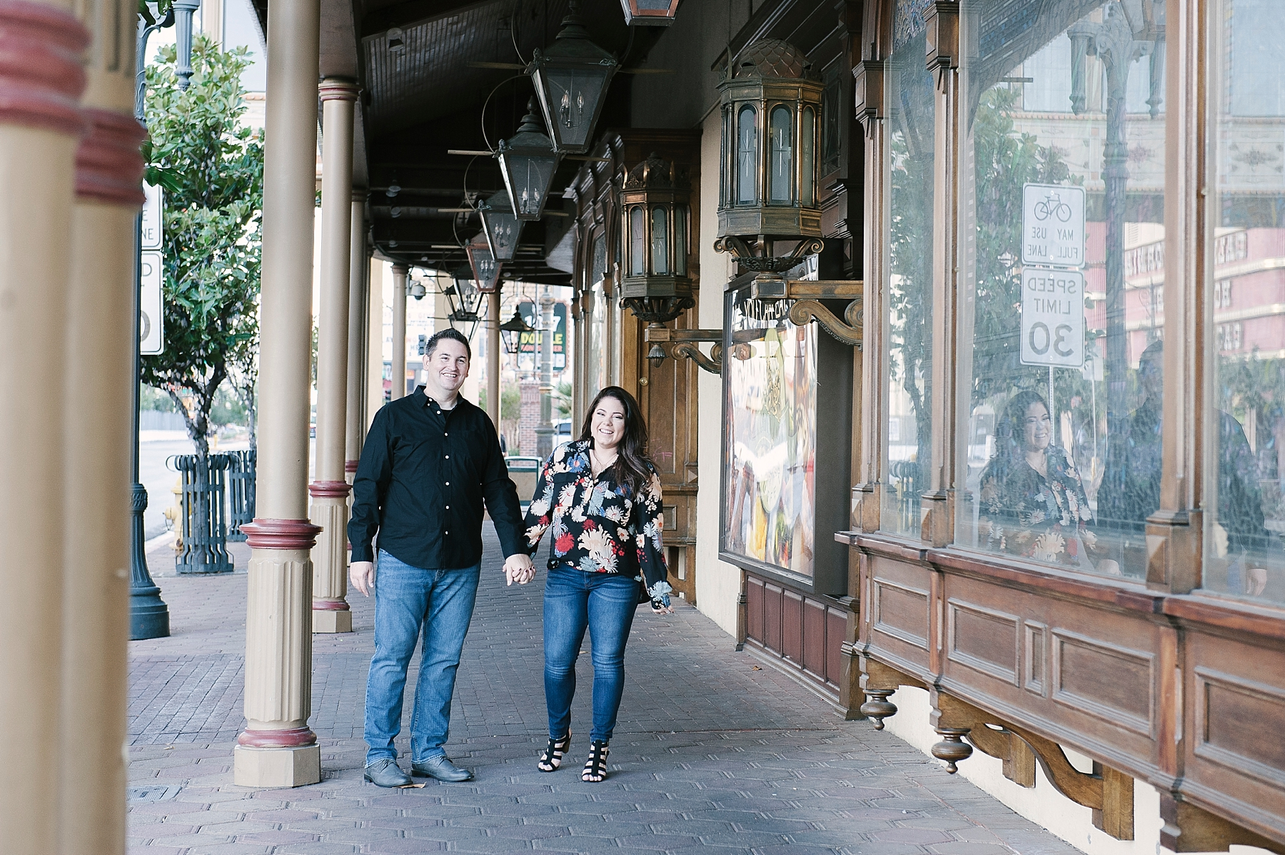 Downtown_Las_Vegas_Engagement_Photos-01-2.jpg