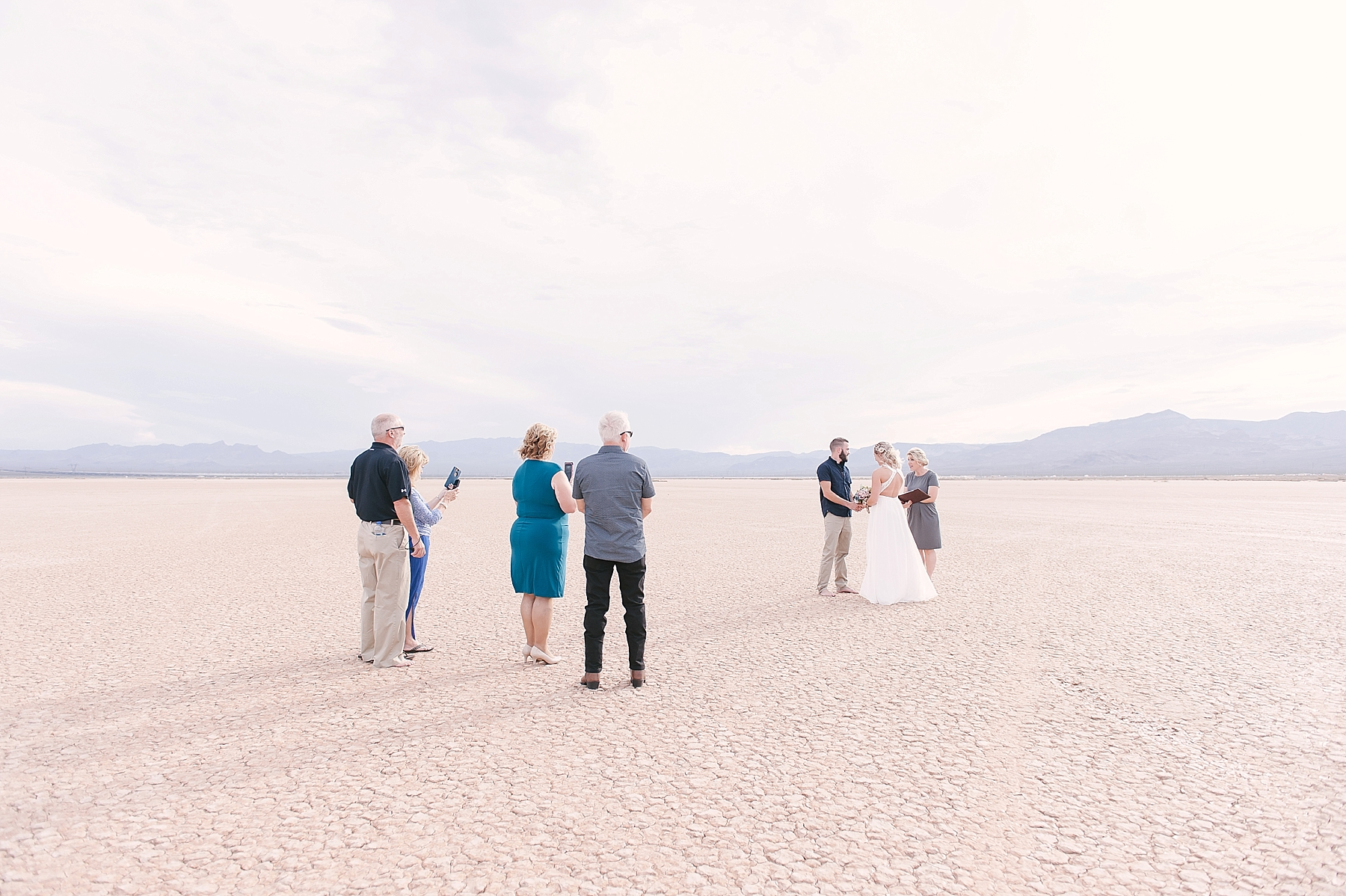 Las_Vegas_Dry_Lake_Bed_Wedding-05.jpg