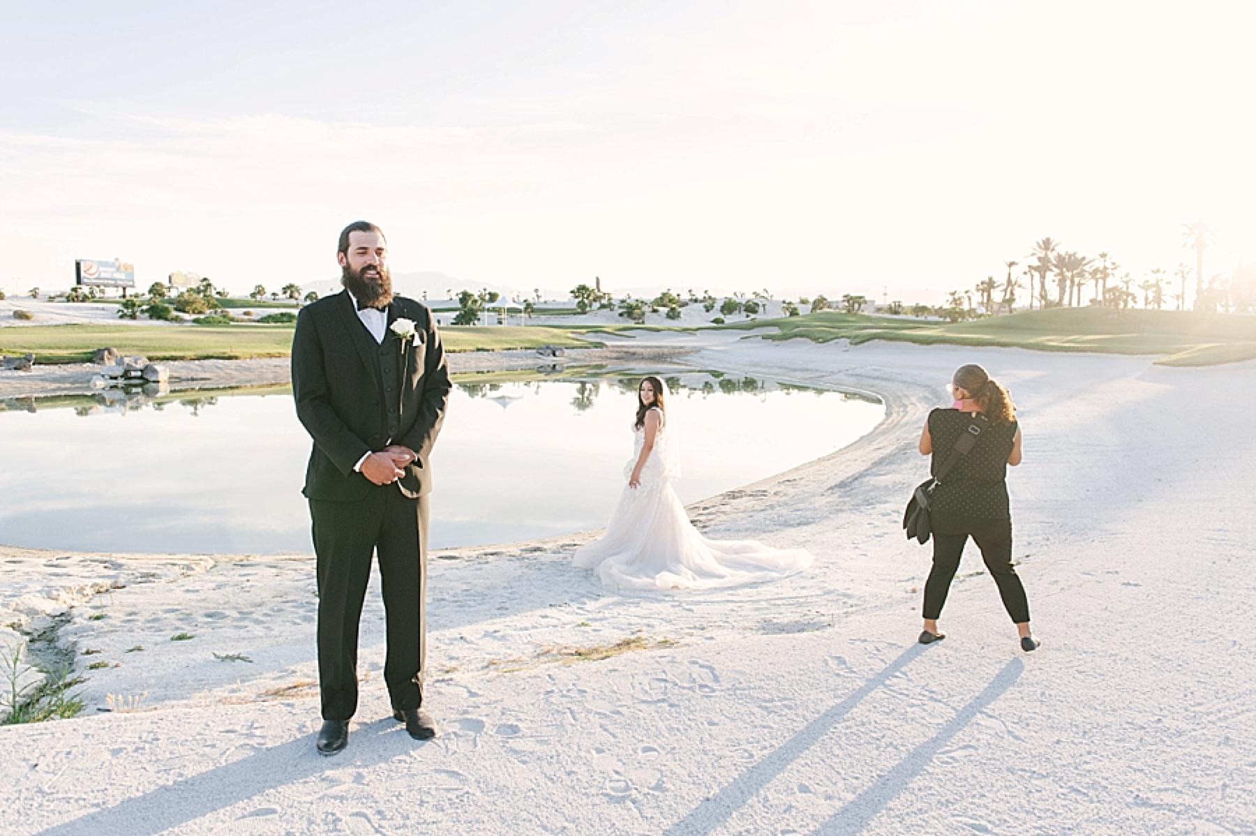 las_vegas_wedding_photographers_behind_the_scenes-08-2.jpg