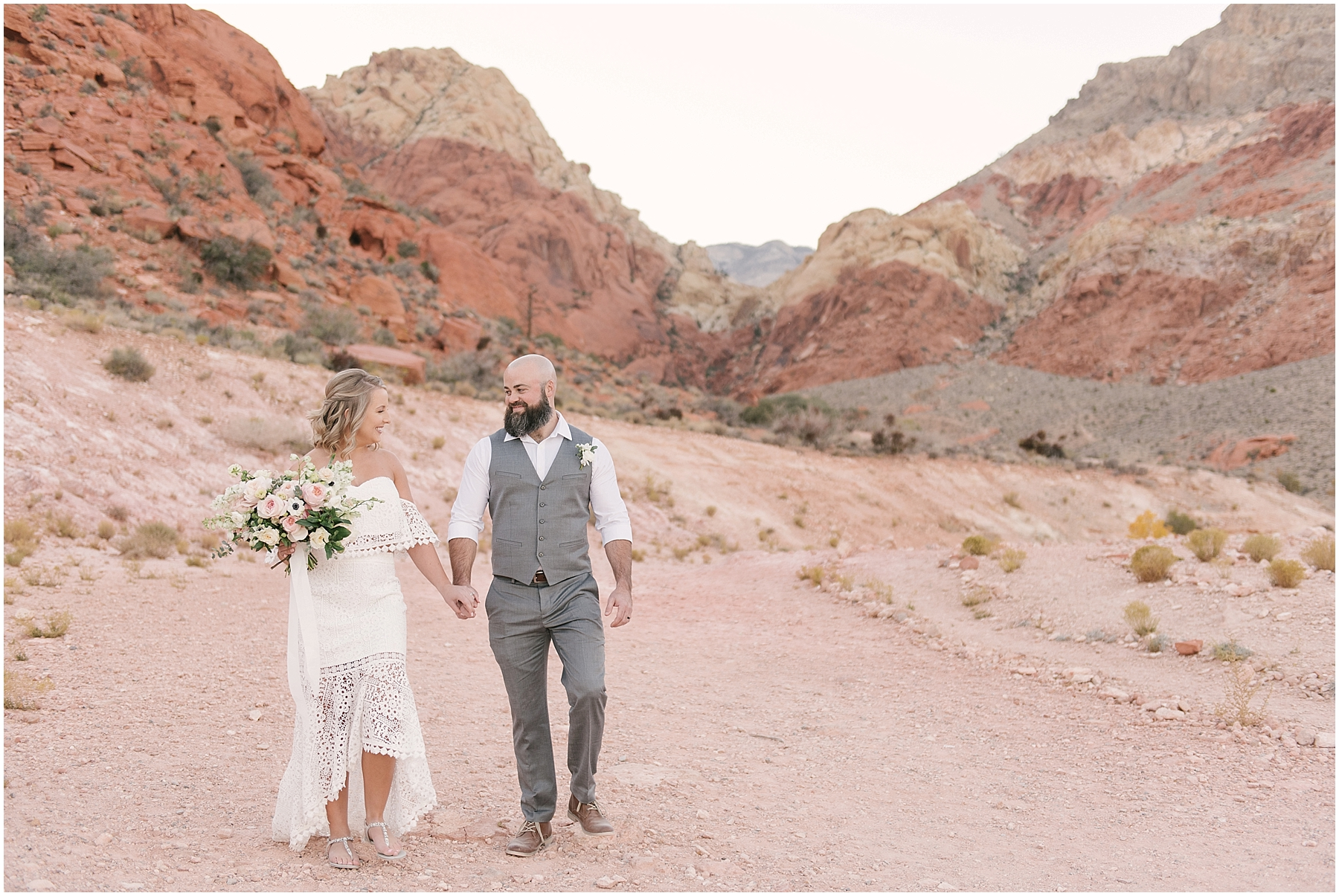 red_rock_Canyon_las_vegas_elopement_photos-22.jpg