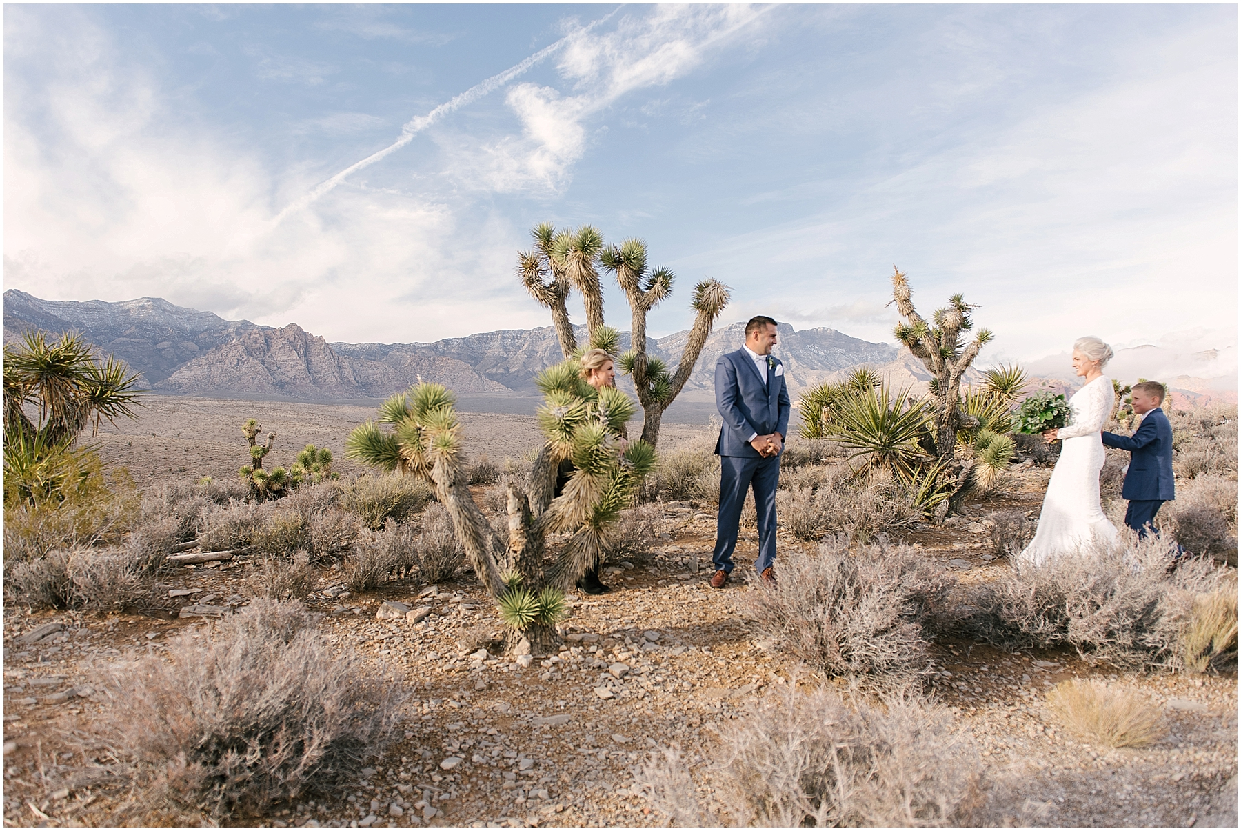 las_vegas__wynn_hotel_elopement_red_rock_photos-19.jpg