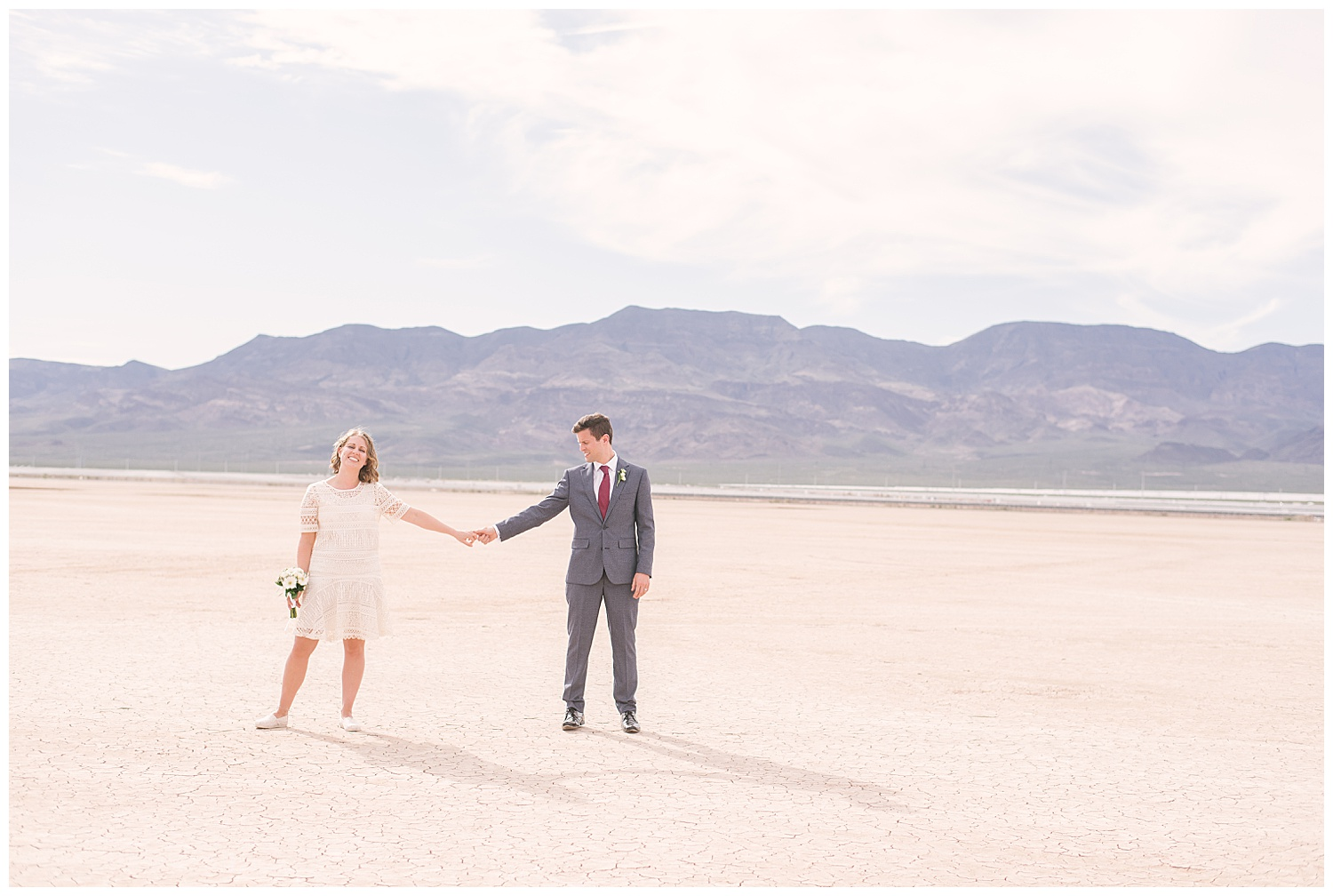 dry-lake-bed-las-vegas-elopement-photographer-01.jpg