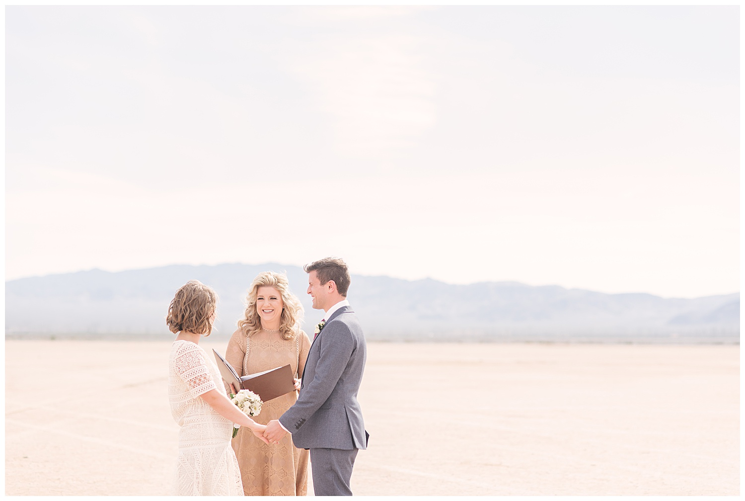 dry-lake-bed-las-vegas-elopement-photographer-02.jpg