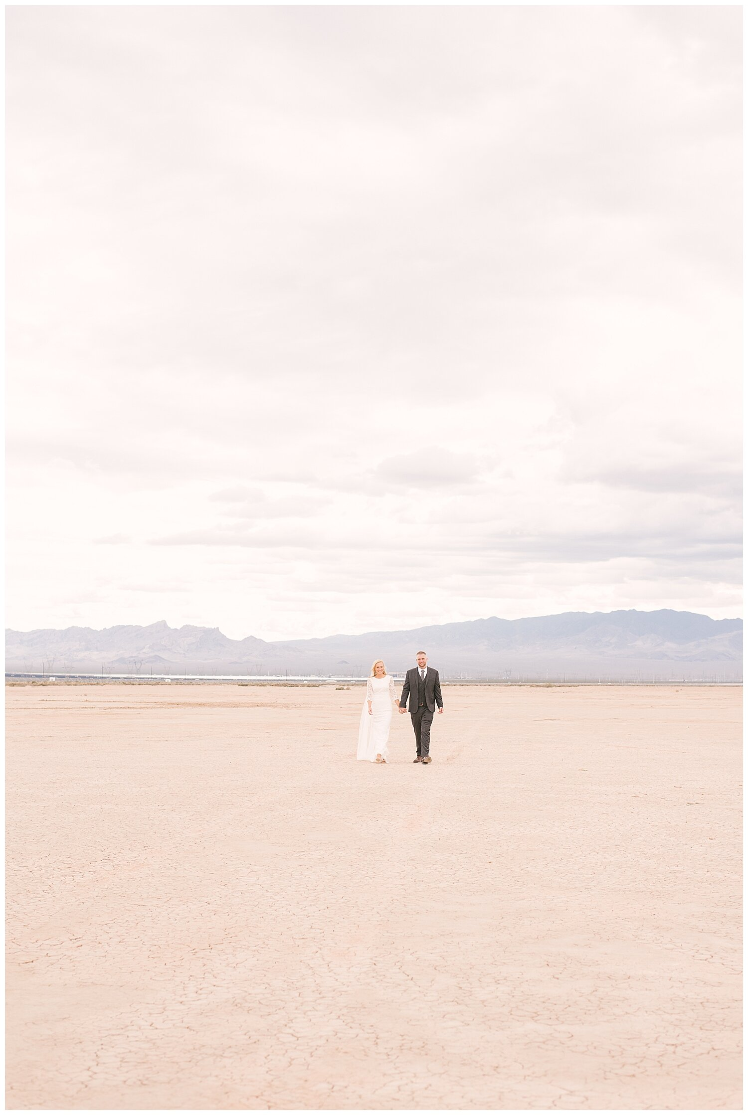 Dry Lake Bed Wedding Las Vegas Wedding And Elopement Photographers Las Vegas Elopement Wedding Photographer