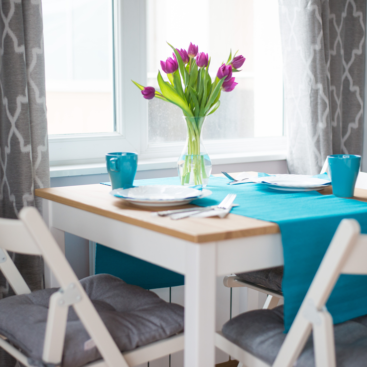 table-with-flowers-Dunav-7mi-apartment.png