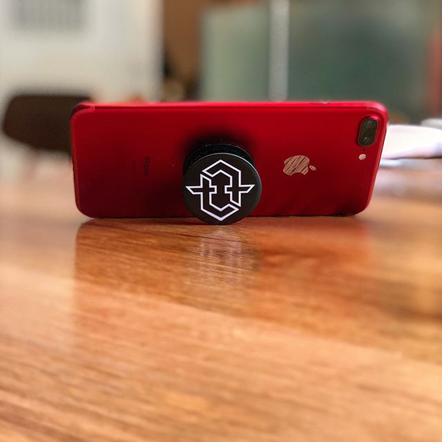 Have you ever been lying down on your back with your phone over your head and then when it slips out of your hand it smacks you right in the face?📱+ 🧑🏻 =🤦🏻♂️. Ha! It's ok, you can admit it. Grab a #tmpst #popsocket and protect your phone and your face! Available in our shop and at your local @tmpstacademy now! #tempestlife #poppin #poplockanddropit