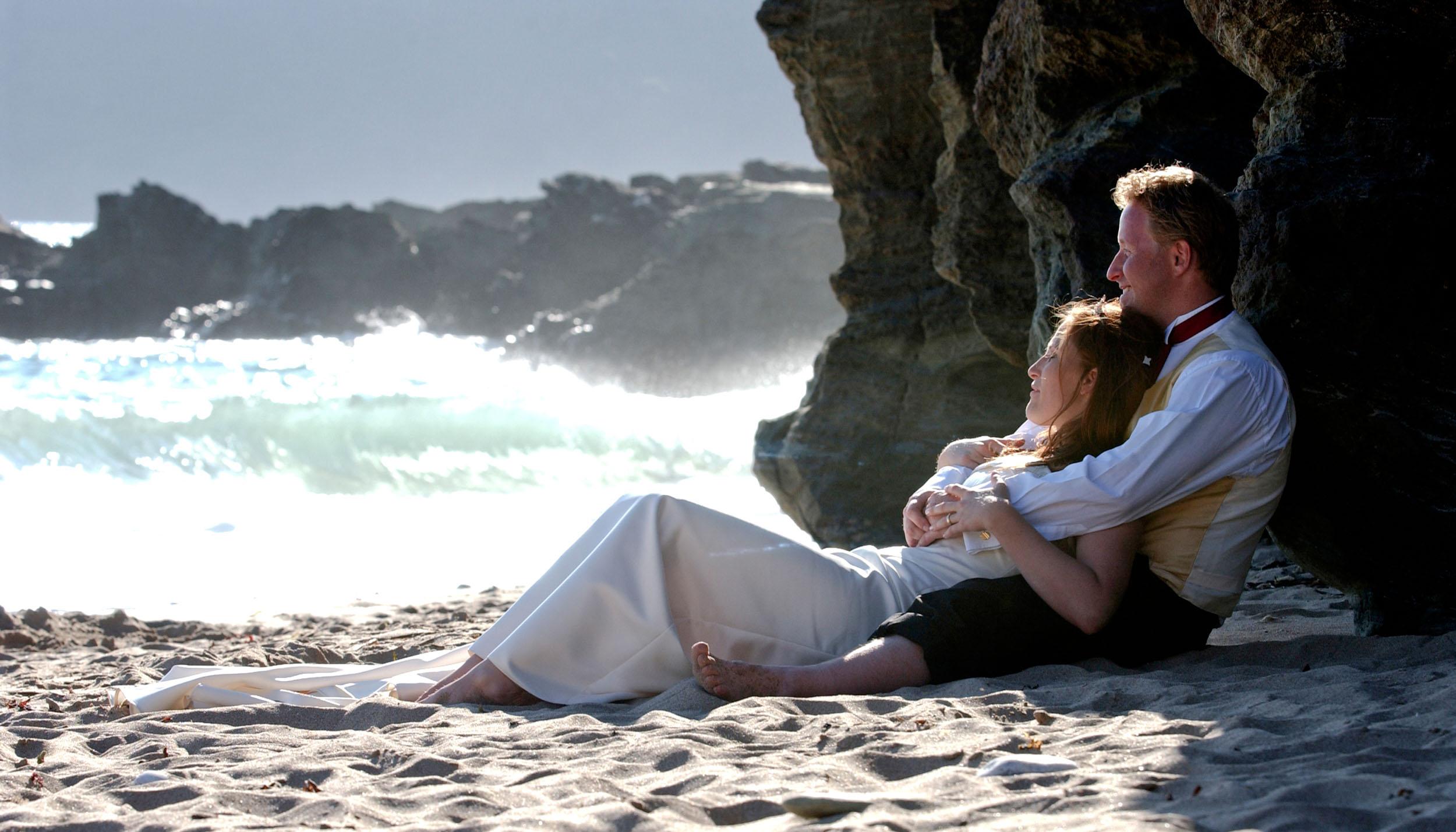 bride-groom-beach-1.jpg