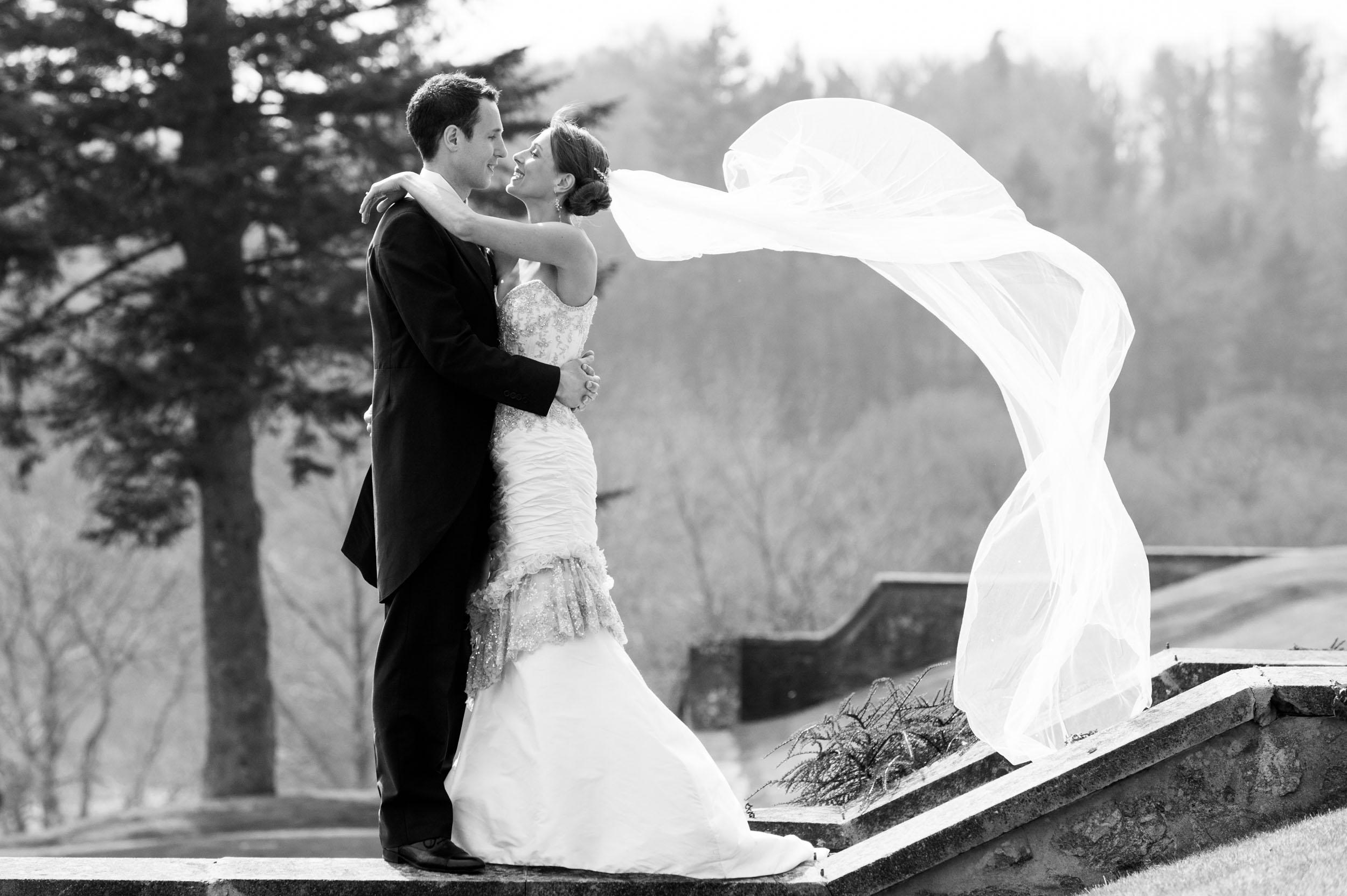 bride-groom-kiss-6.jpg