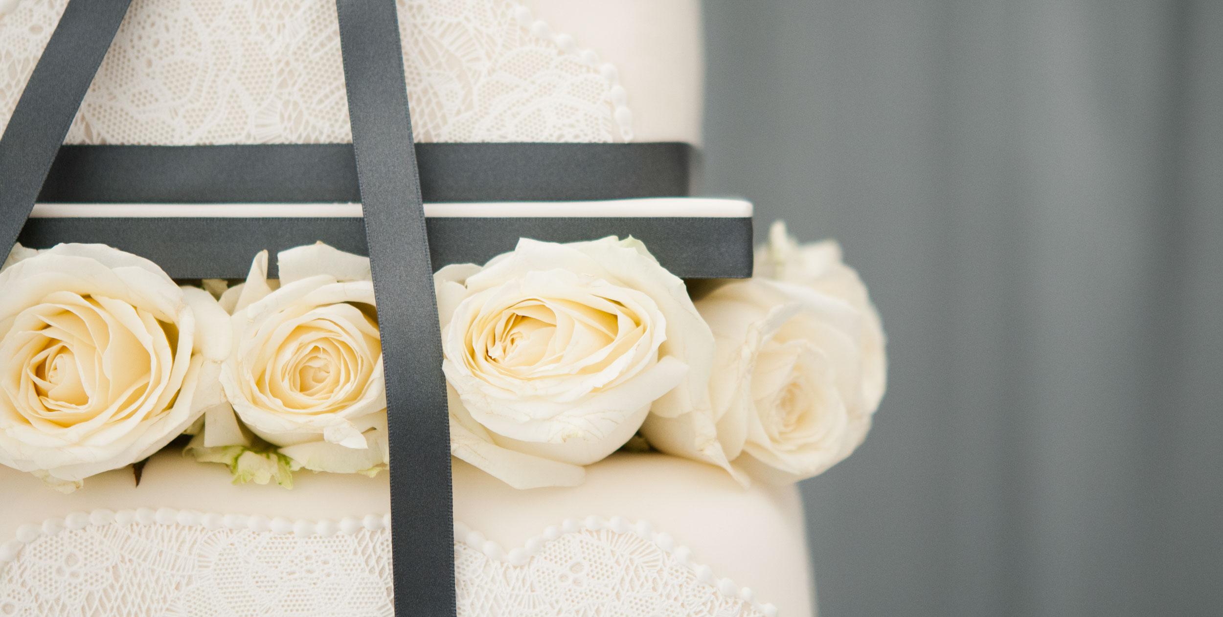 wedding-cake-ribbon-flower-1.jpg