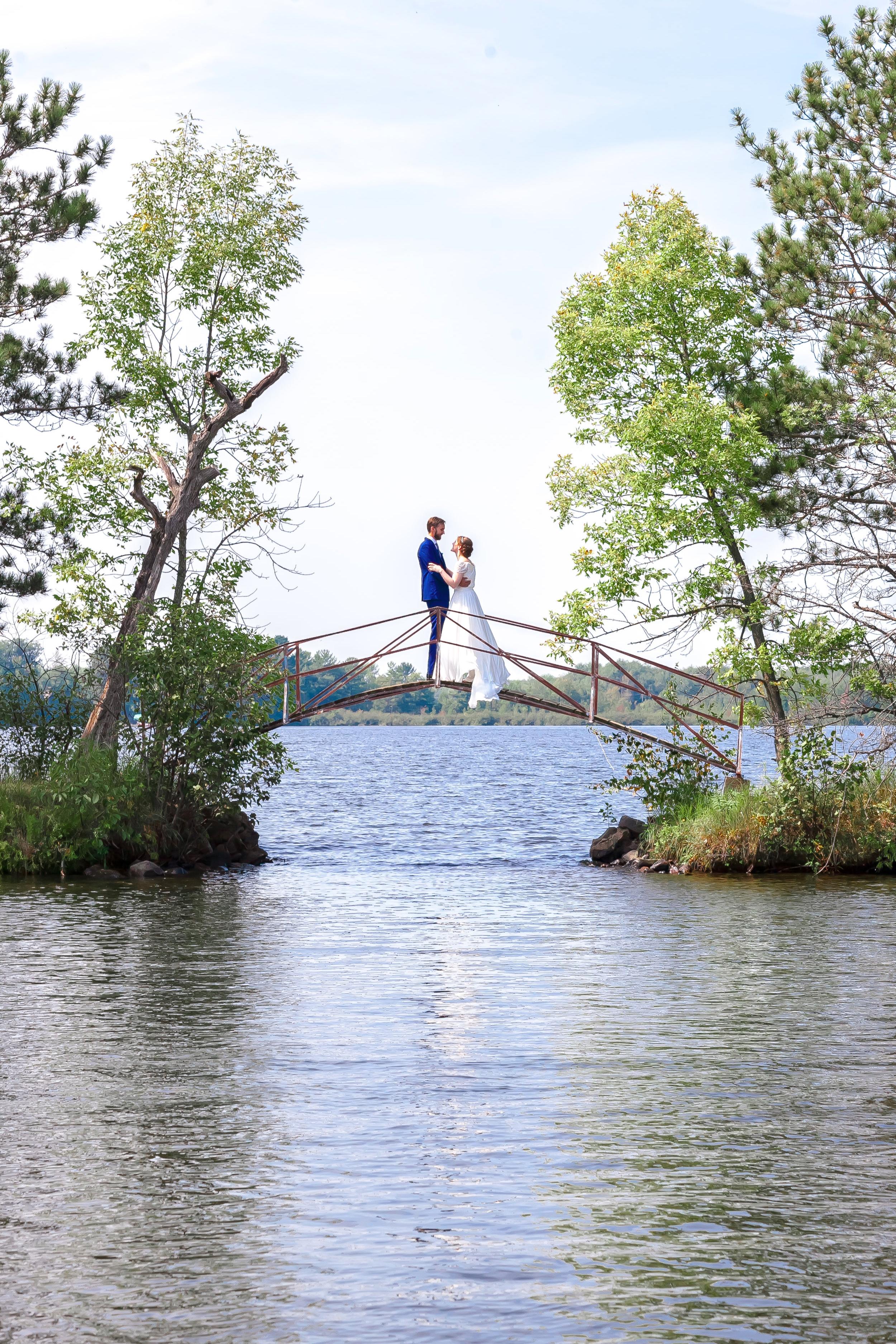 LILA_MATT_WISCONSIN_WEDDING_Copyright_jeremie_barlow_photography_2017+%28260+of+1179%29.jpg