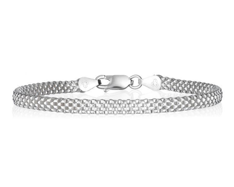 Jewelry-Photography-Bracelet-Laying-Down.jpg