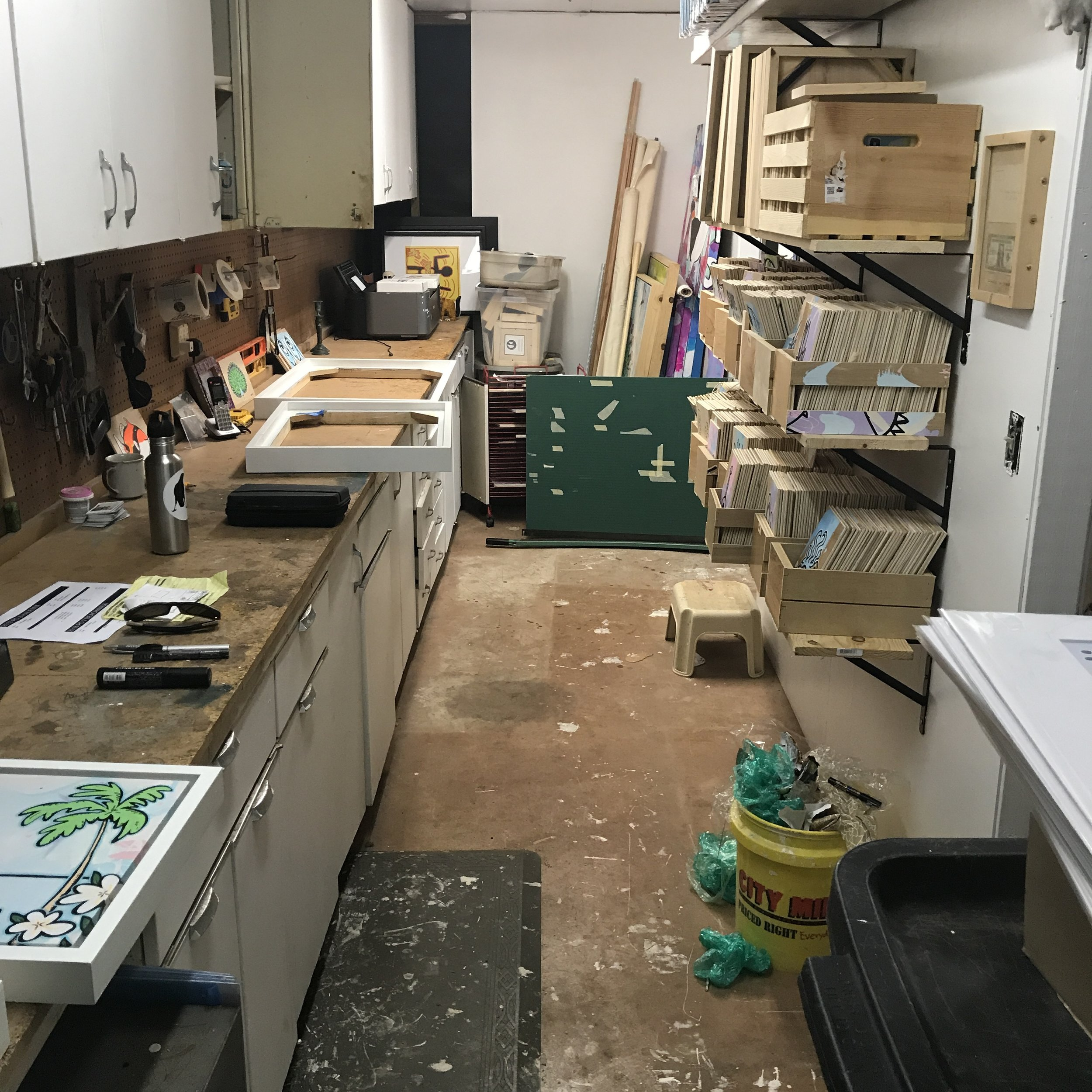 A work bench! look at all this space! Now I can have projects last a while.