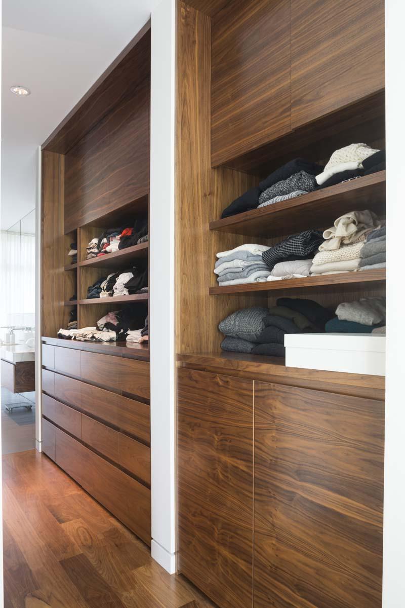 fremont-master-dressing-room1_0.jpg
