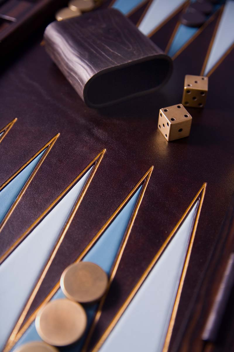 ebony-backgammon-set1_0.jpg