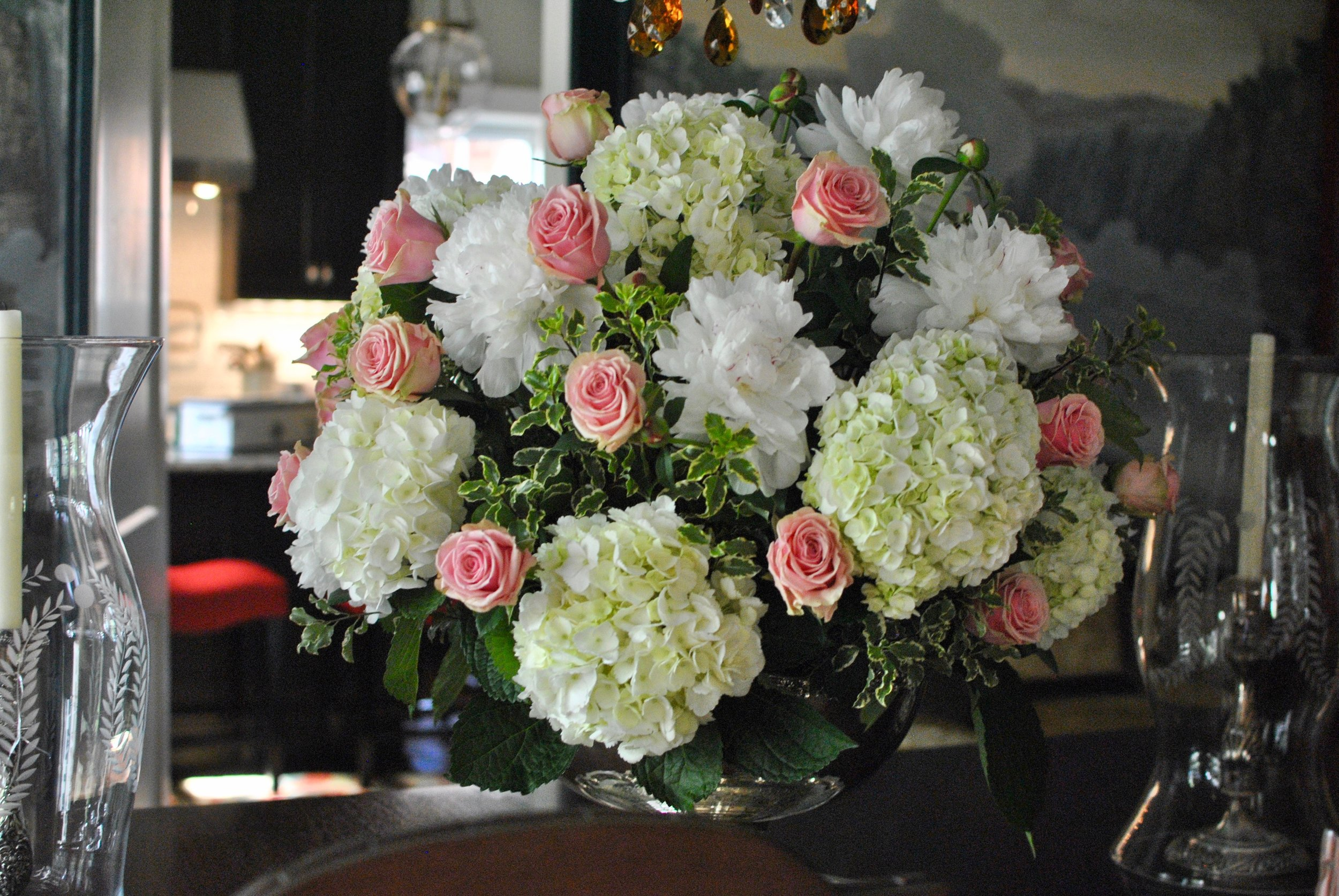 Breathtaking flowers on the dining room table.