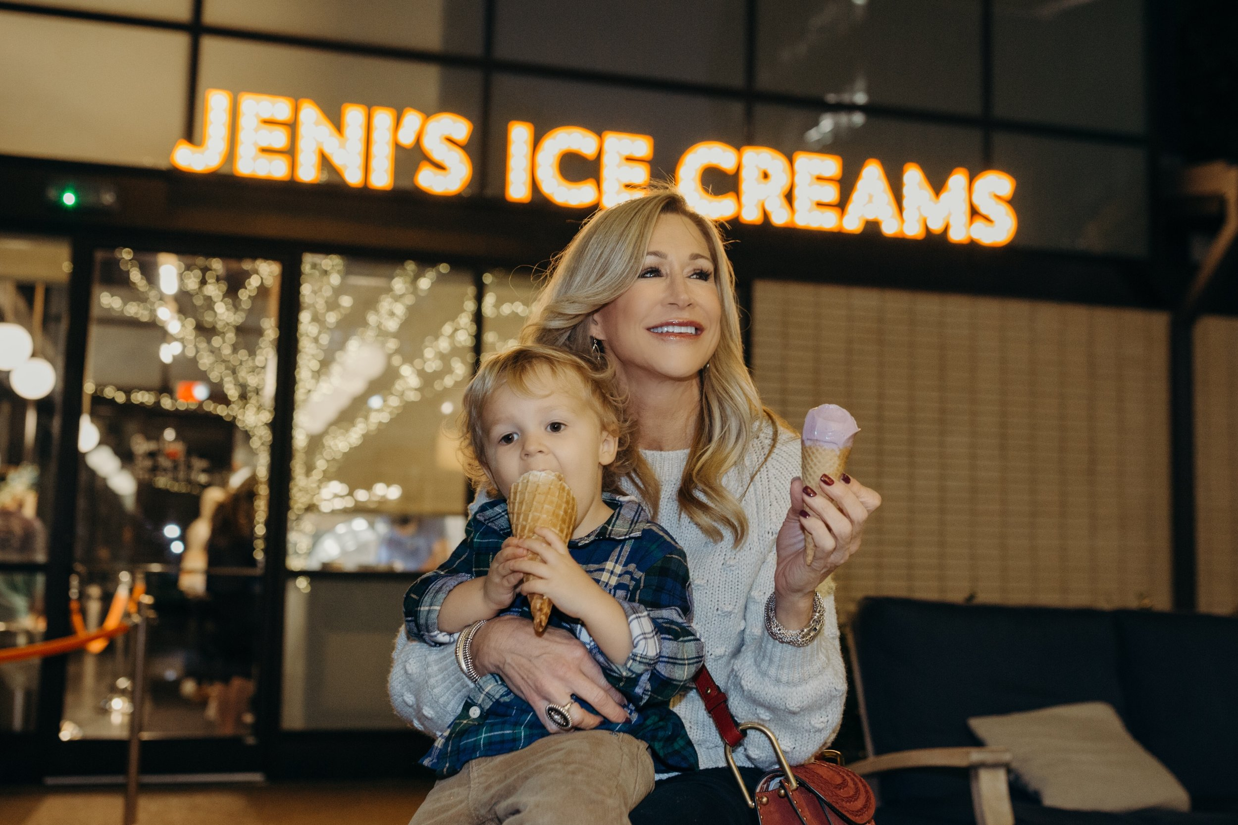 Jeni's Ice Cream - Avalon - Crazy Blonde LifeBlog