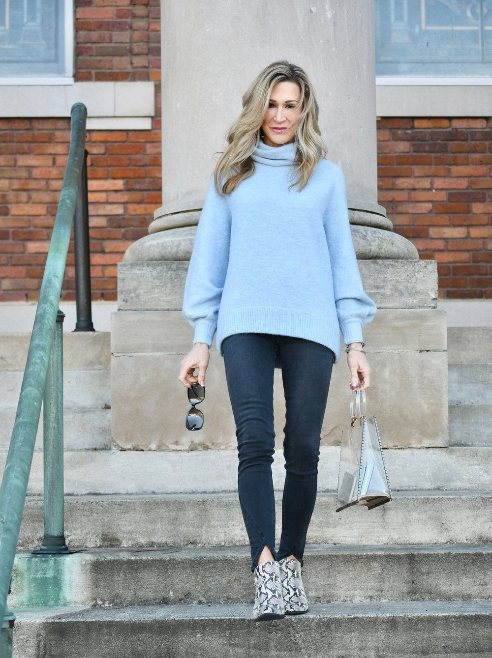 Wear with to sweater blue what light How To