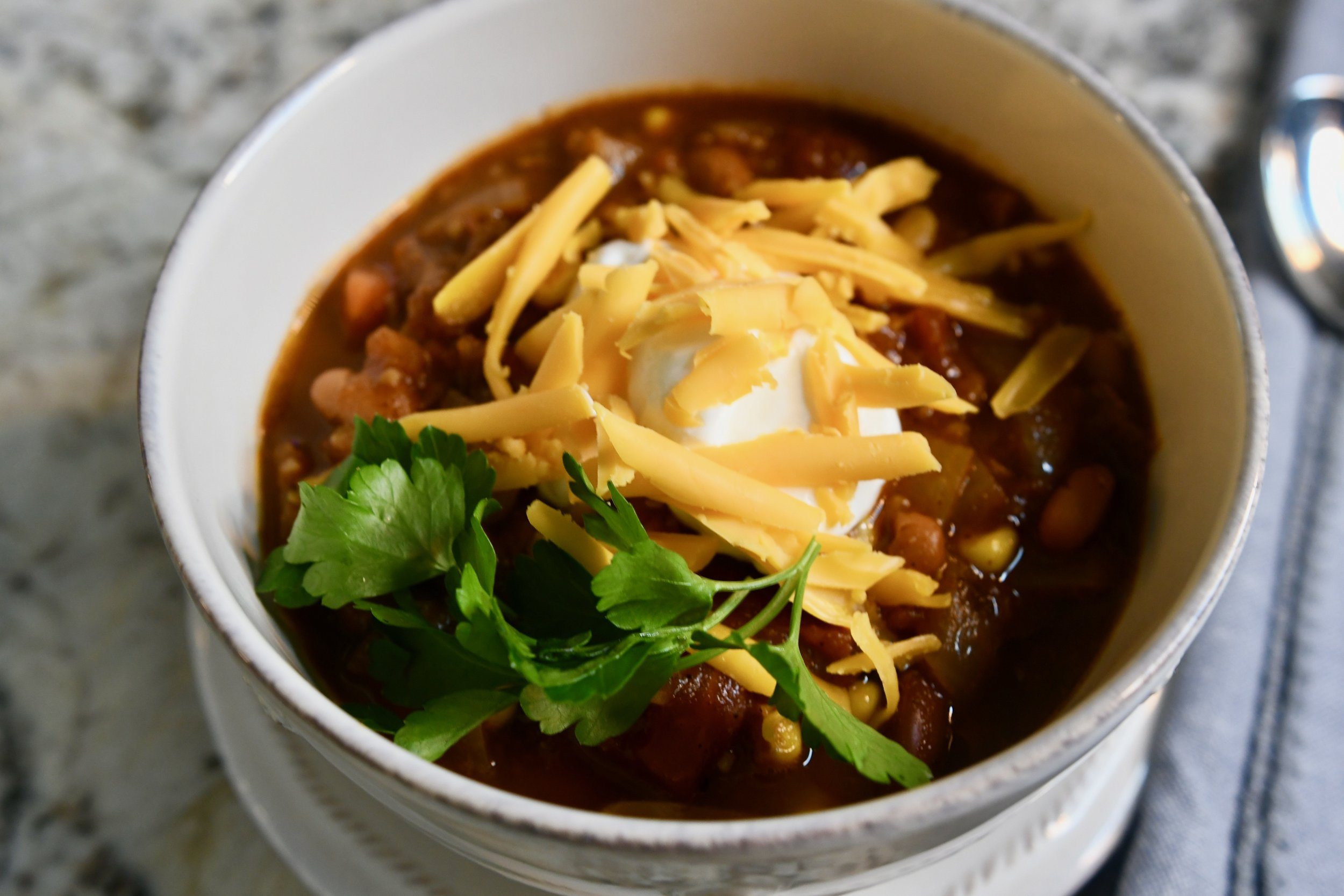 Easy Vegetarian Chili - Crazy Blonde Life