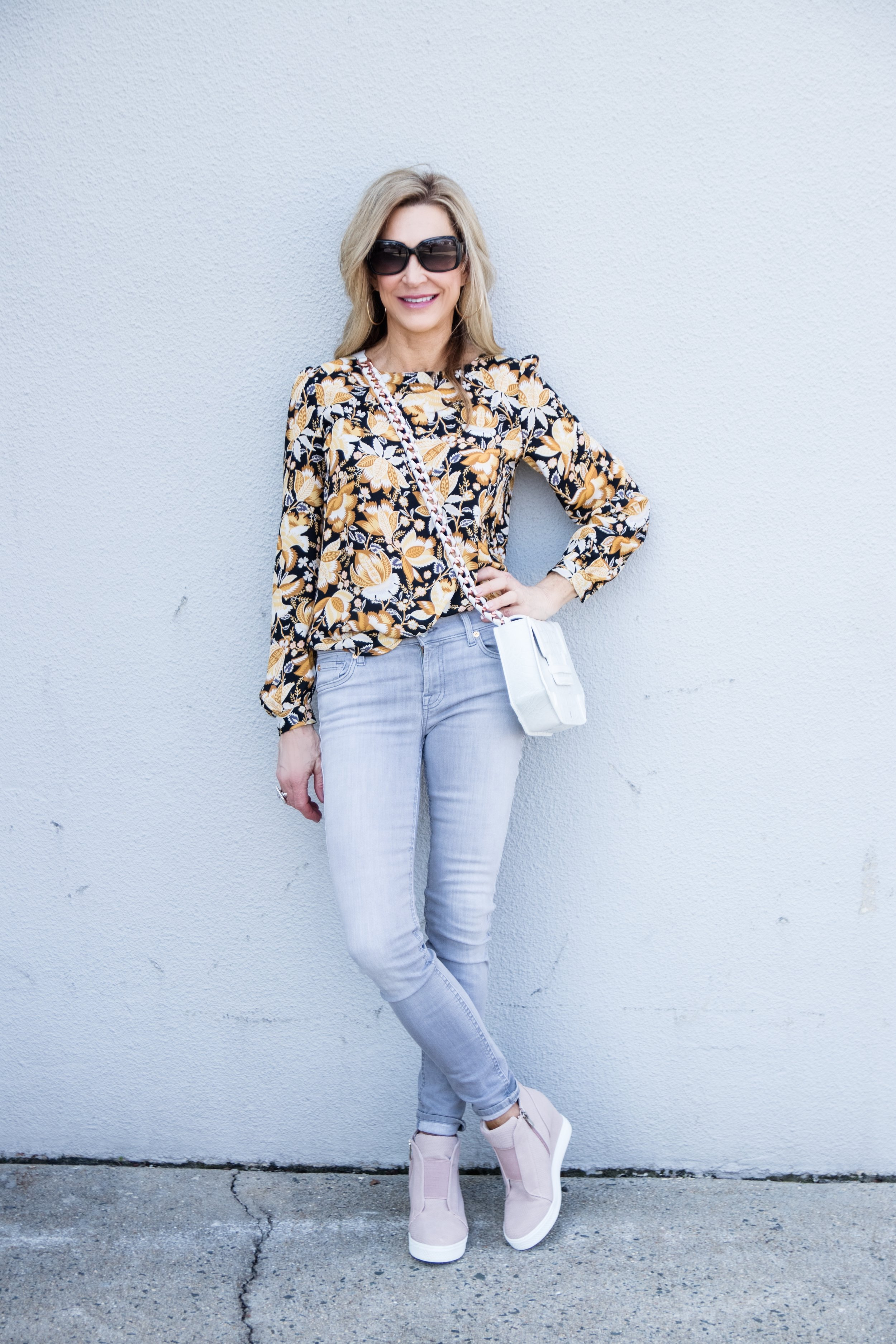 Casual Saturday Outfit - Crazy Blonde Style