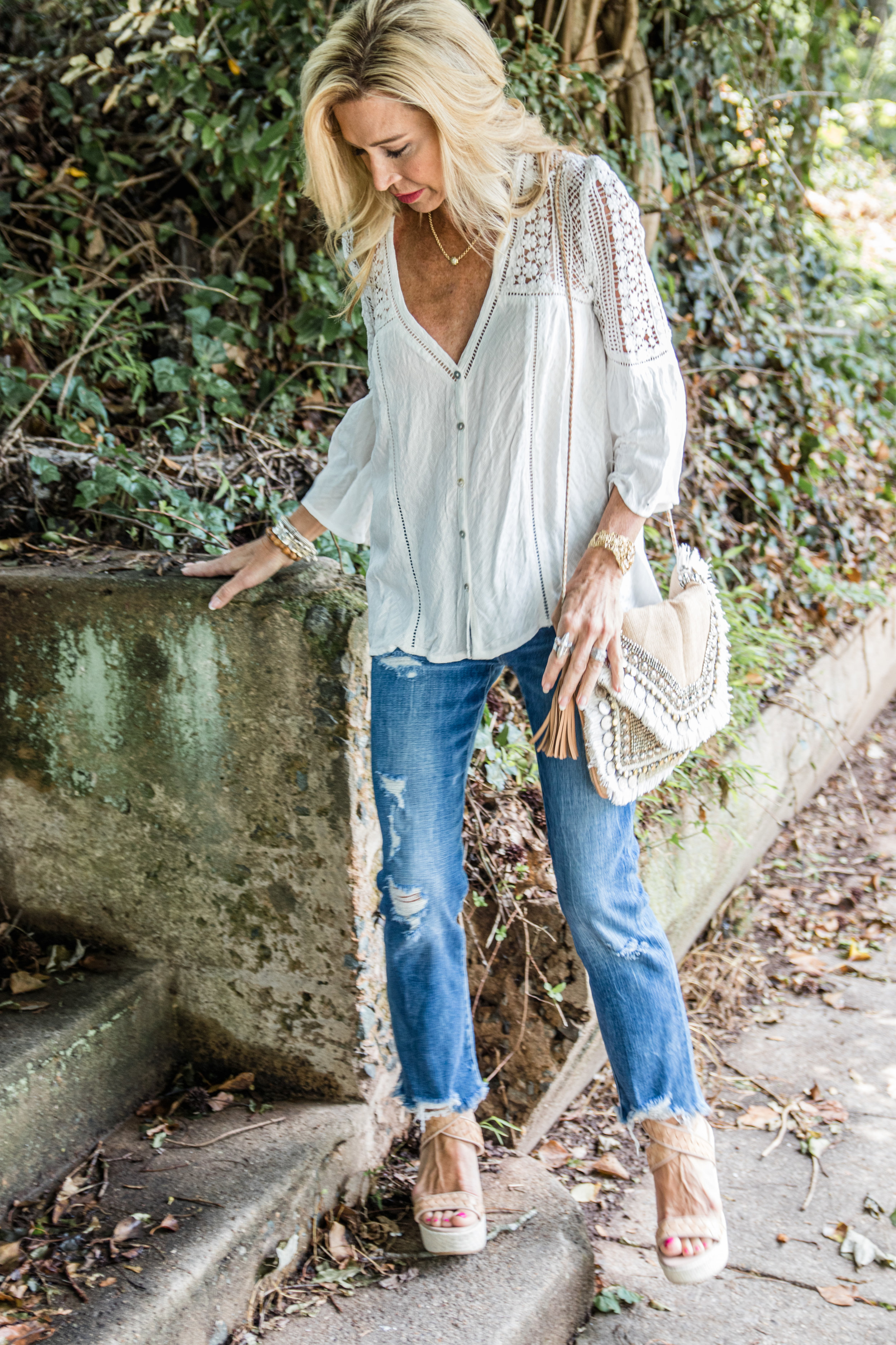 Casual Spring Outfit - Vici top and bag, Frame Denim jeans and Stuart Weitzman shoes