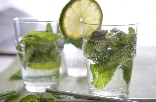 Fresh Mint Mojitos from The Endless Meal