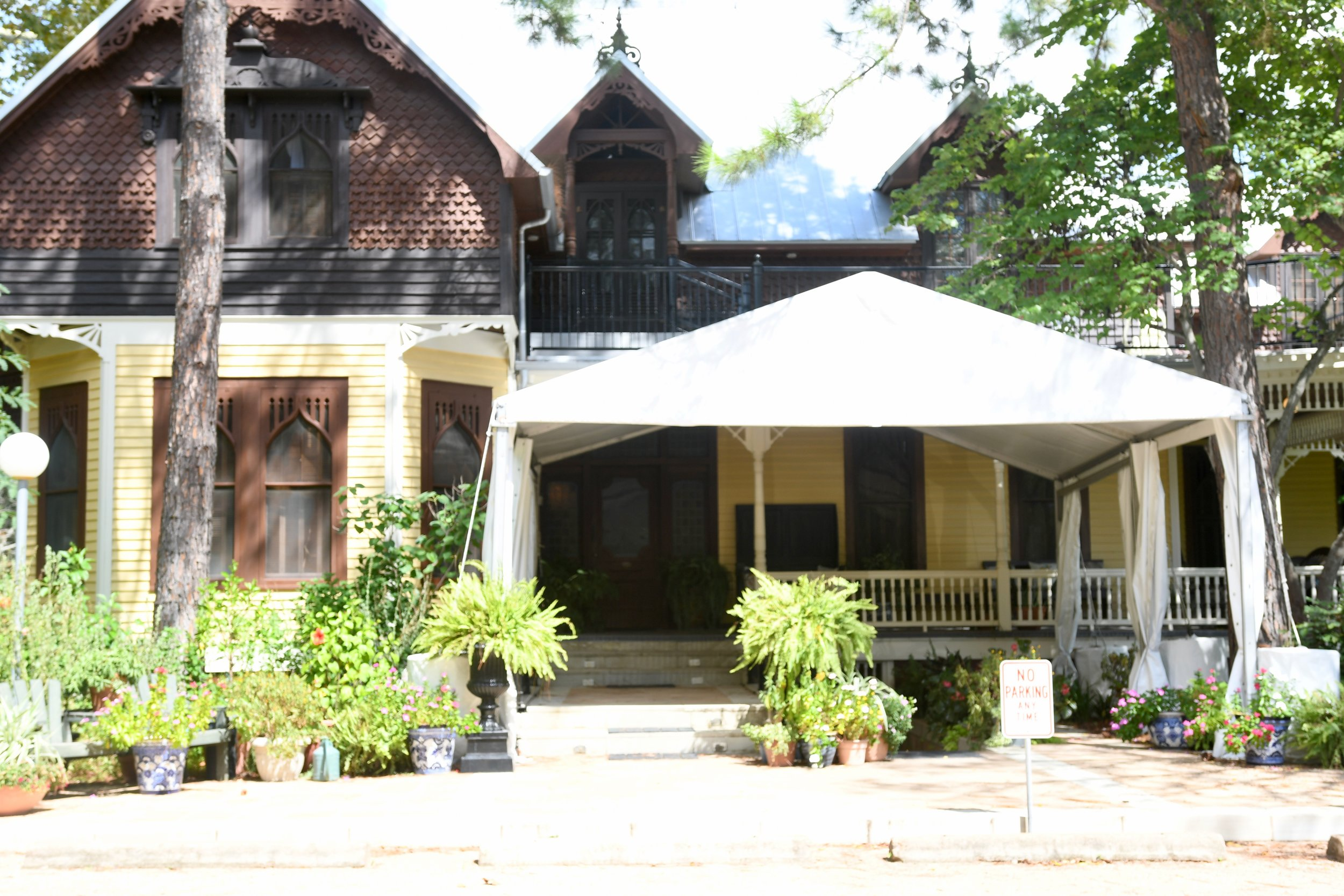 Bed and Breakfast in Round Top Tennessee