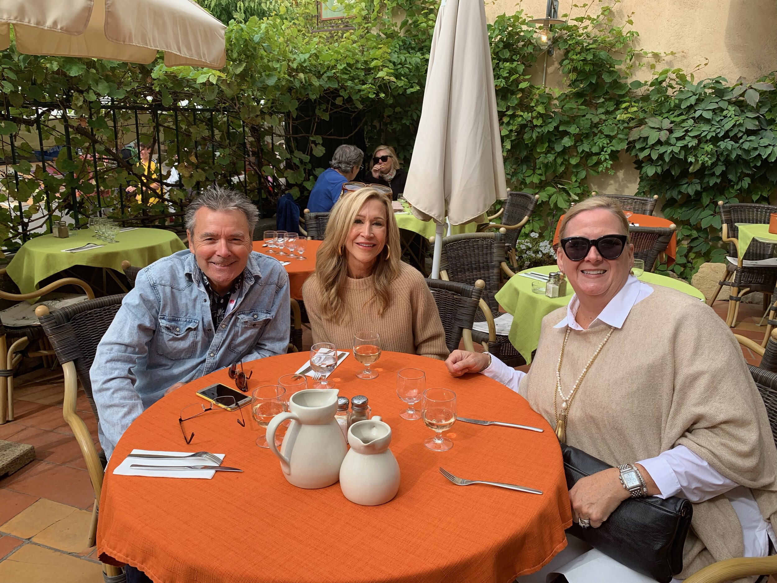 Lunch in Lourmarin - Crazy Blonde Life
