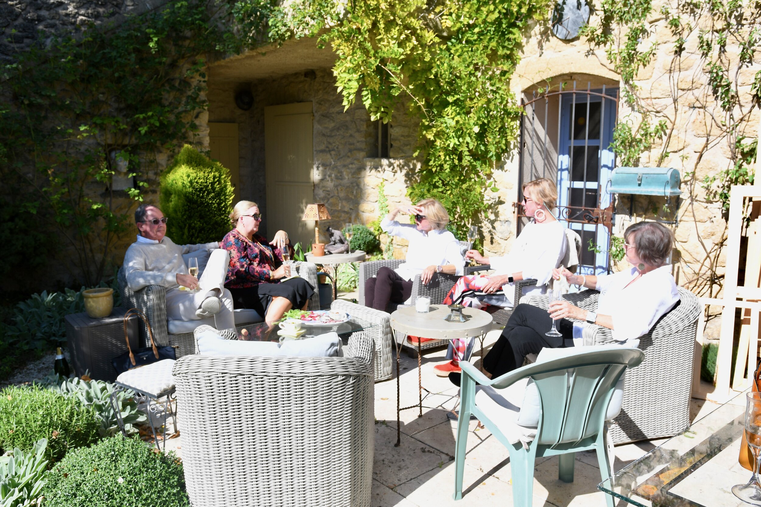 Al Fresco nibbles - My Crazy Blonde Trip to France