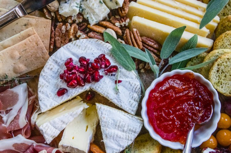 Holiday Cheese Board - Crazy Blonde Life