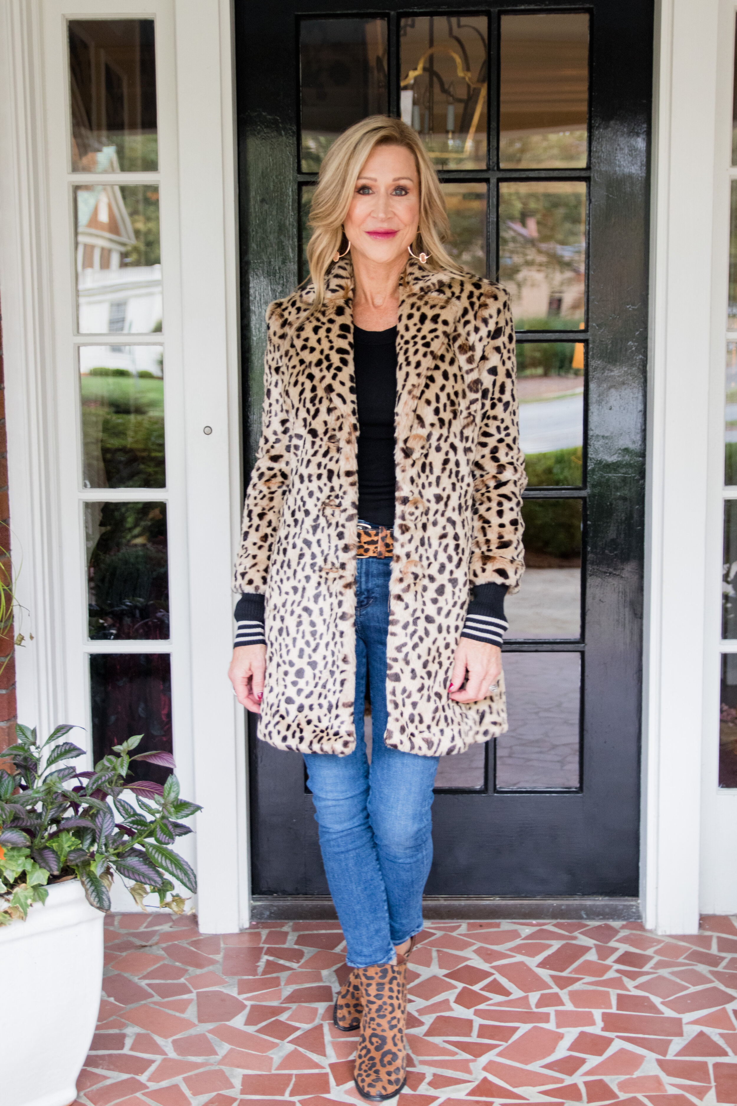 Styling a Leopard Coat - Crazy Blonde Life