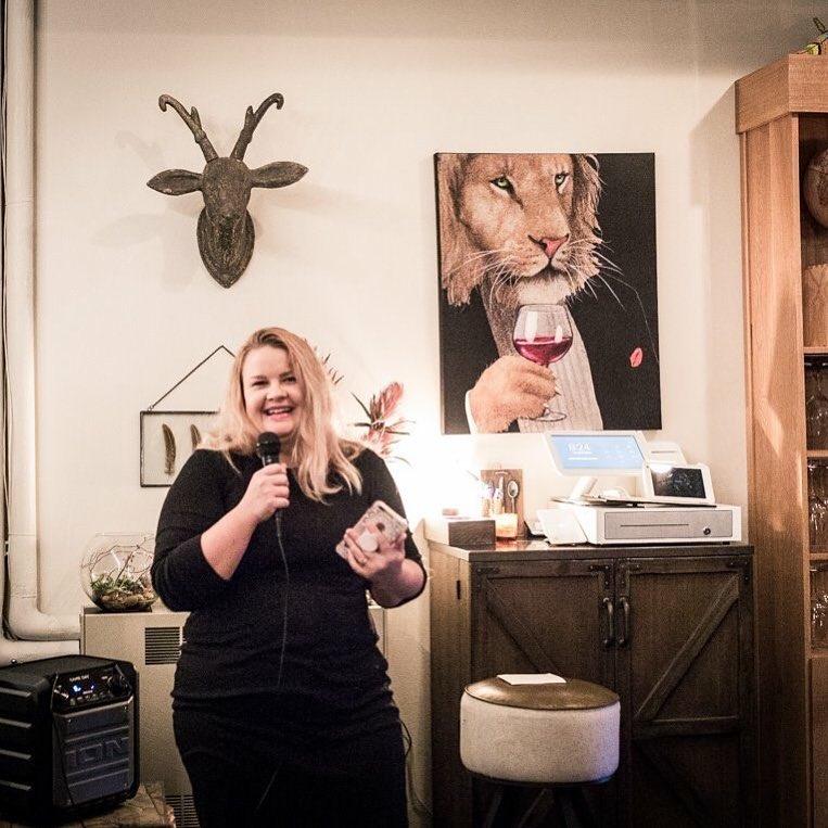 During my speech at The Aardvark Wine Lounge, Photo credits to Houa Utech.