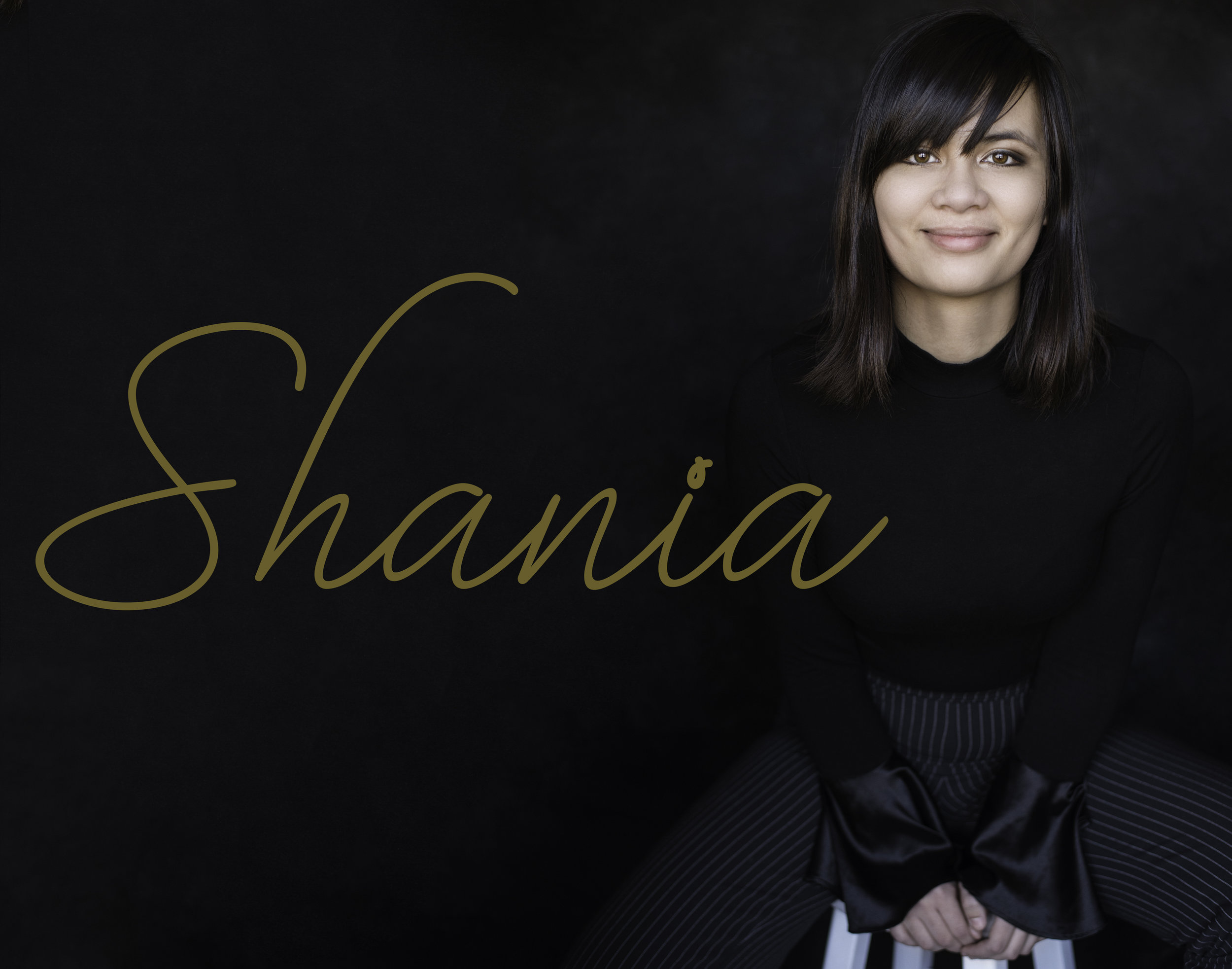 Go Follow her on instagram @shaniagortonpro