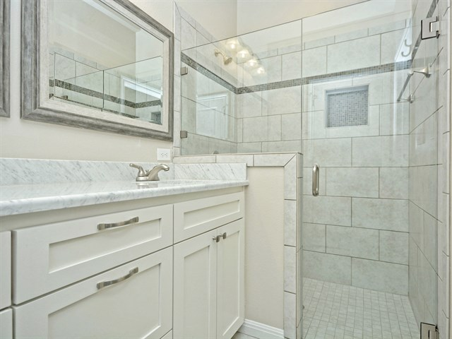 021_Master Bathroom 2.jpg