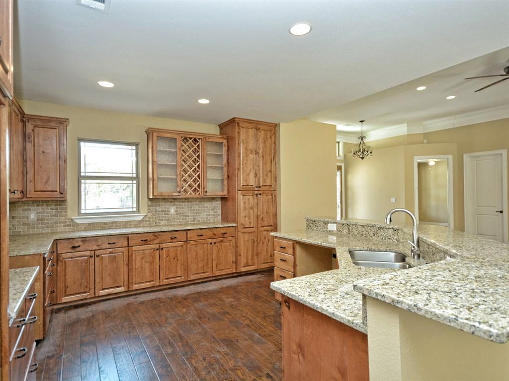 Kyle kitchen 2.jpg