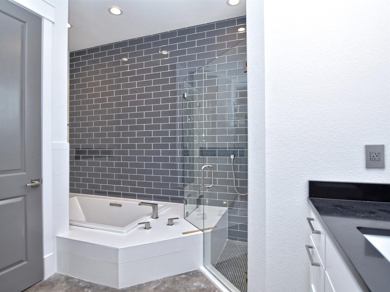 022_Master Bathroom 2.jpg