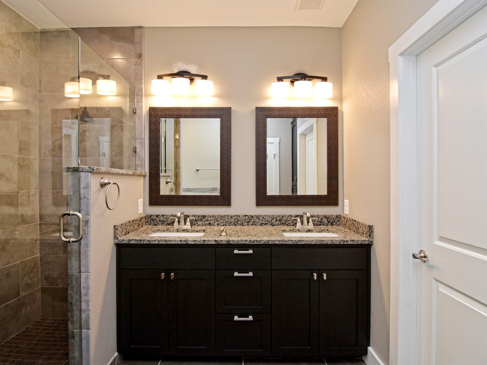017_Master Bathroom 2.jpg