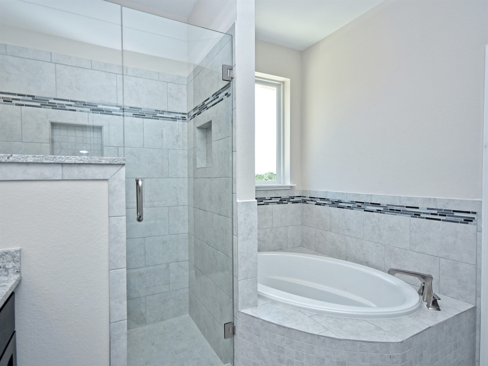 023_Master Bathroom 2.jpg