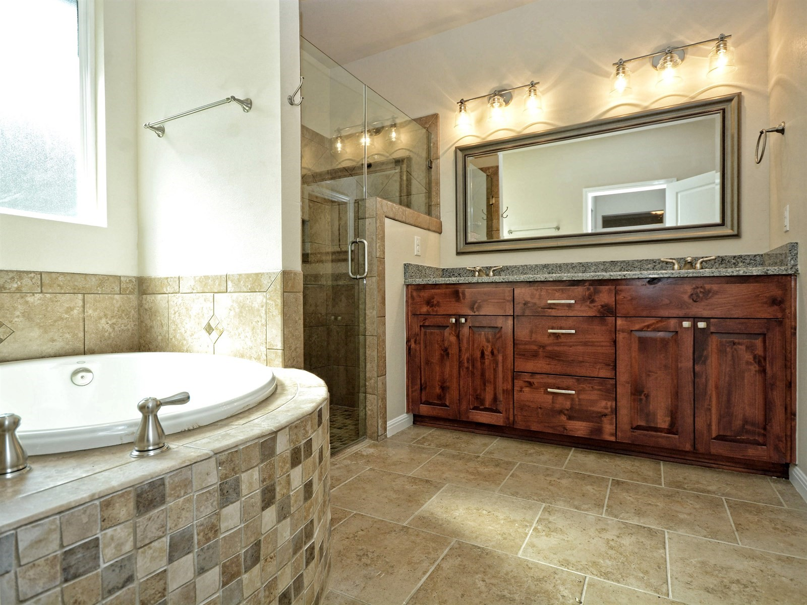 022_Master Bathroom.jpg