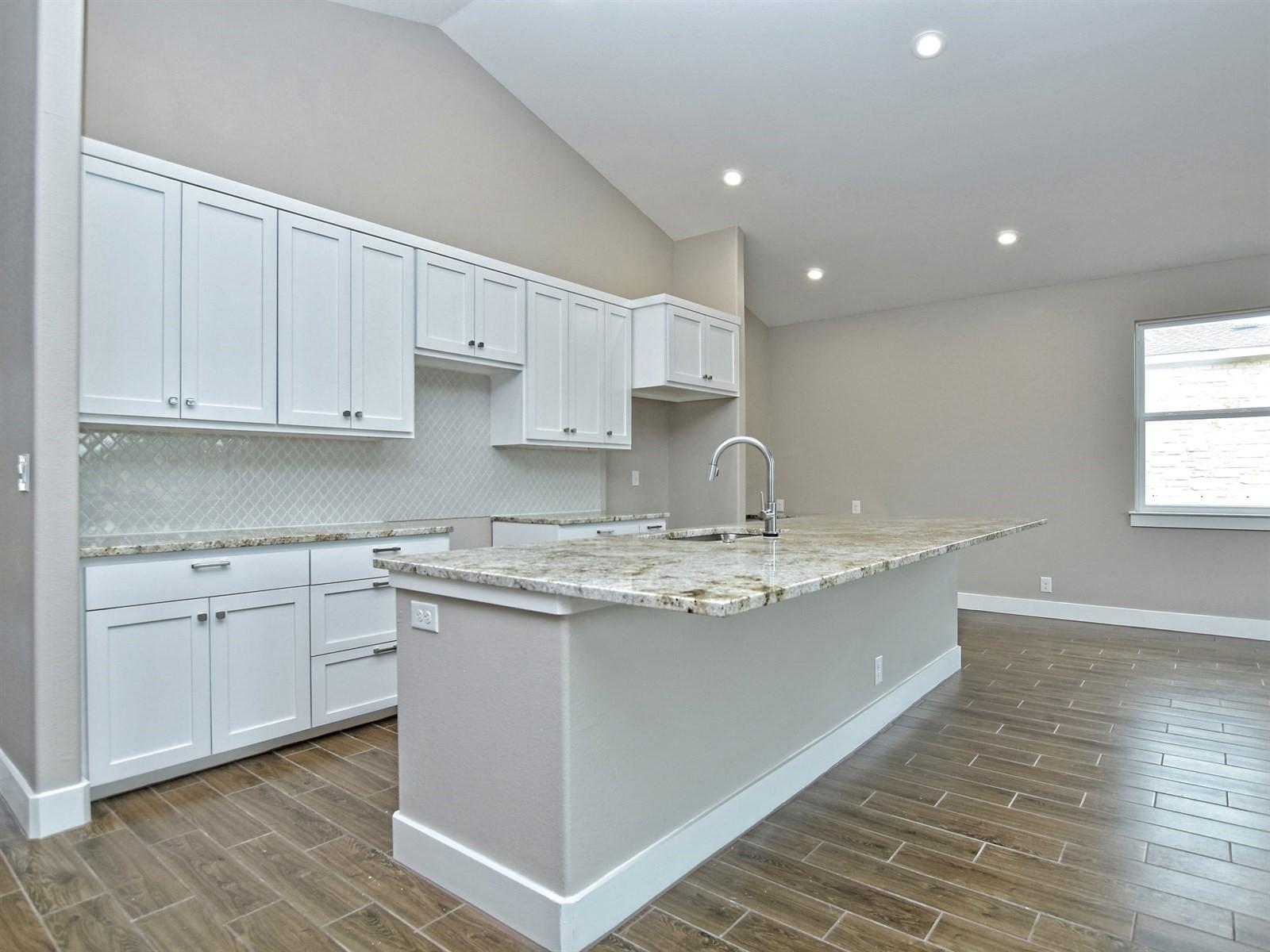 012_Kitchen 4.jpg