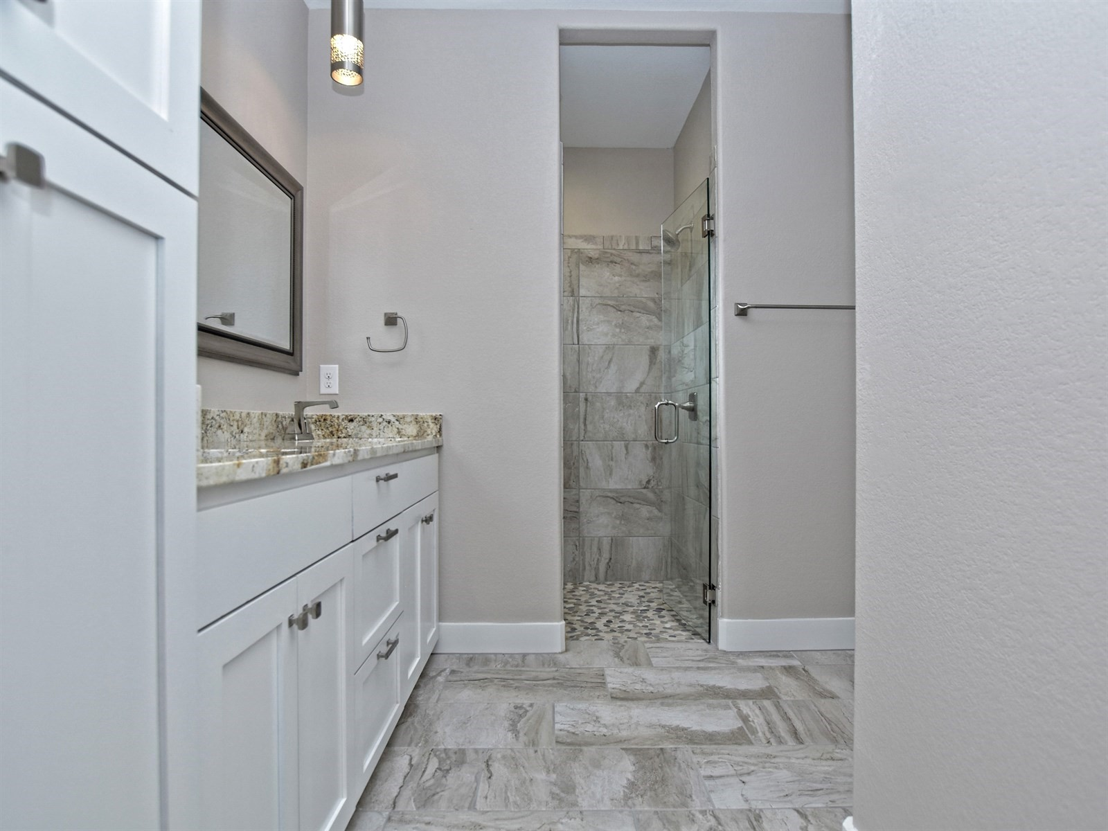 017_Master Bathroom .jpg