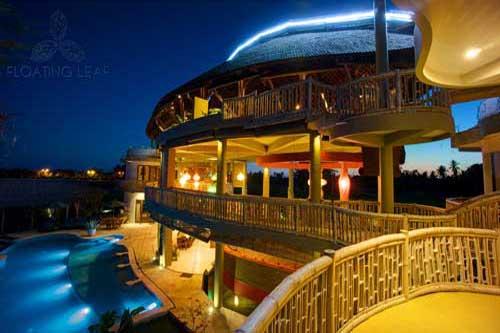 pool-at-night-hoel1.jpg