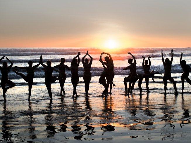 beach yogis.jpg