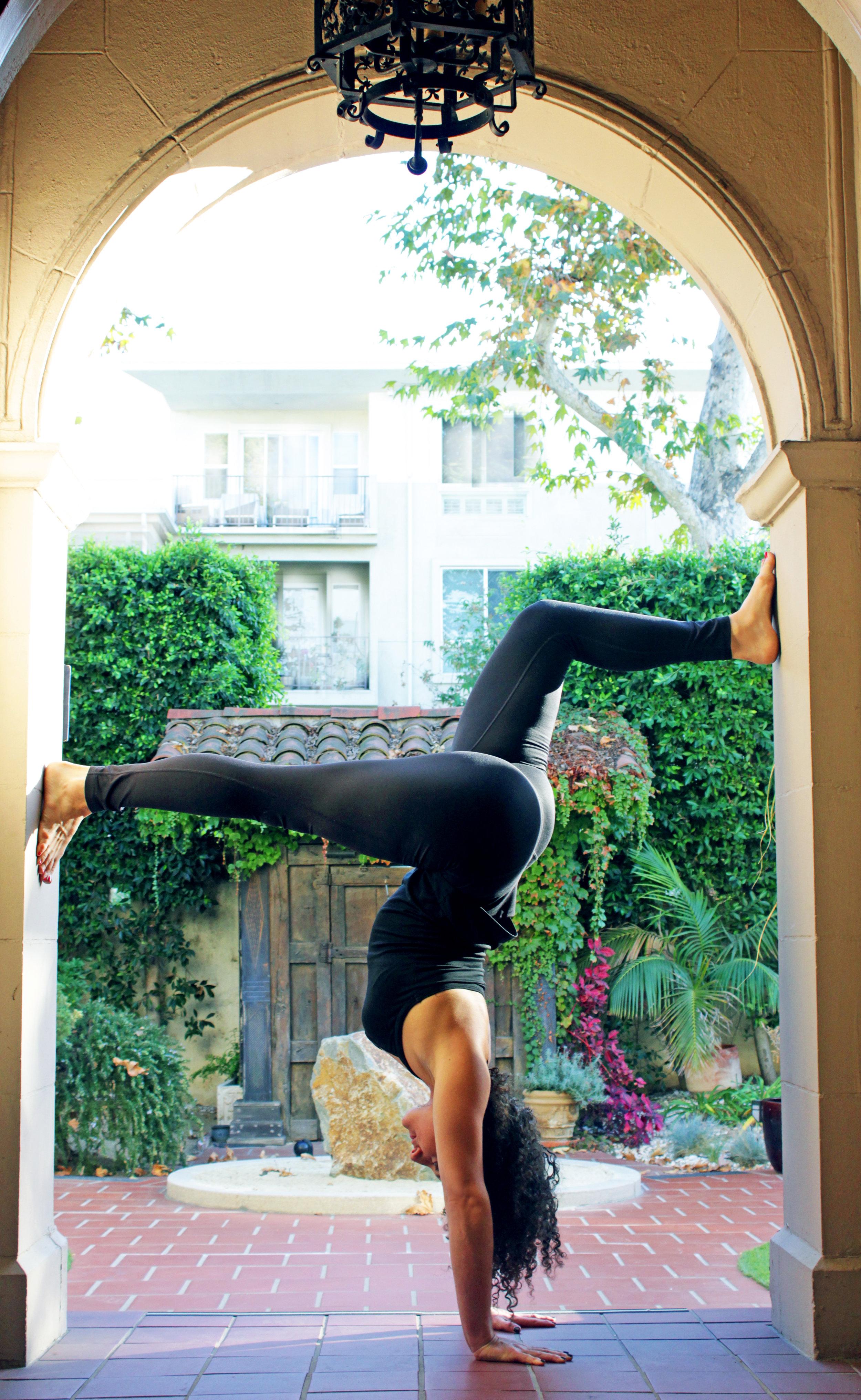 doorway handstand.jpg